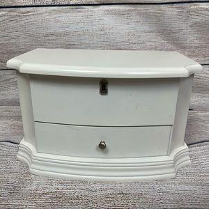 White Cottage Style Jewelry Box